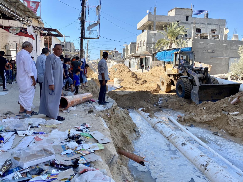 Bir Naja (Gaza), una strada sventrata dalle bombe