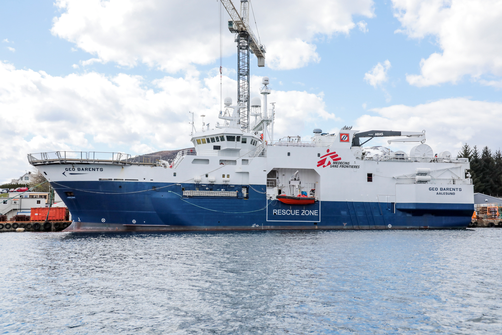 La Geo Barents nel porto norvegese di Alisun. È partita ieri diretta verso il Mediterraneo centrale