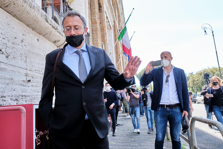 Il pm milanese Paolo Storari ieri all'uscita della procura generale di Roma