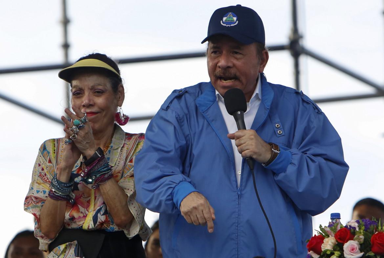 Il presidente nicaraguense Daniel Ortega con la vicepresidente (nonché consorte) Rosario Murillo