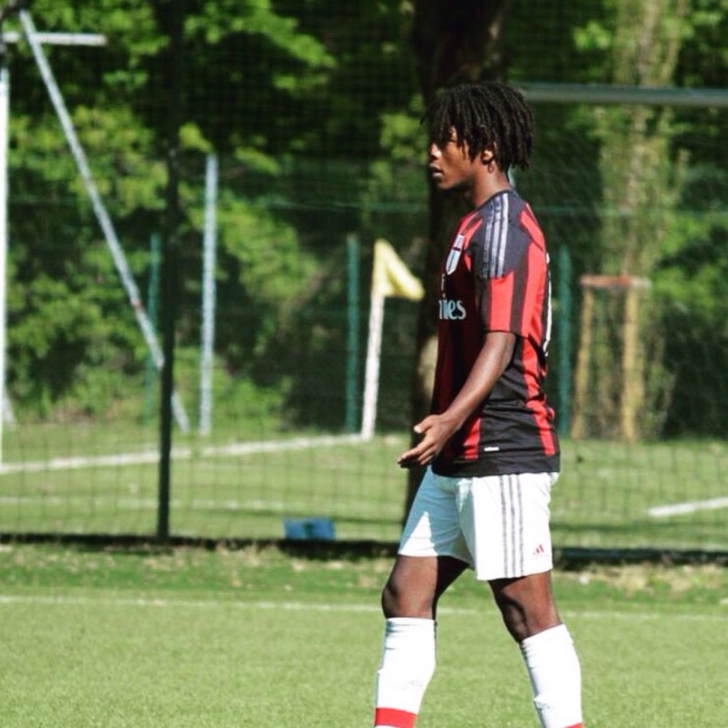 Seid Visin con la maglia delle giovanili del Milan