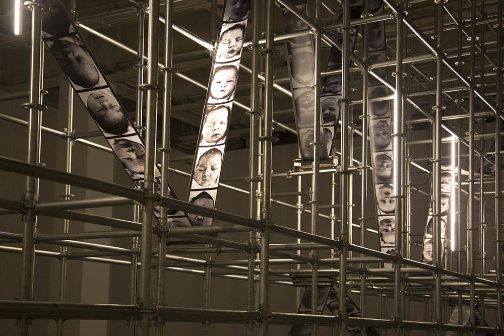 Christian Boltanski, particolare dall'installazione «Storage Memory», Shanghai