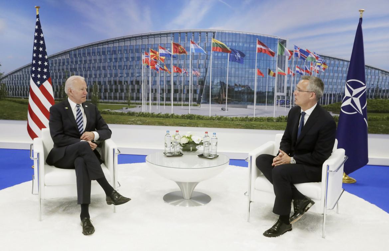 Biden e il segretario generale della Nato Jens Stoltenberg al vertice del 2021