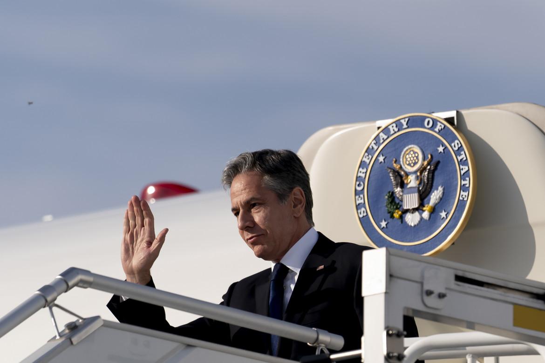 Il segretario di Stato americano Antony Blinken arriva all'aeroporto di Berlino