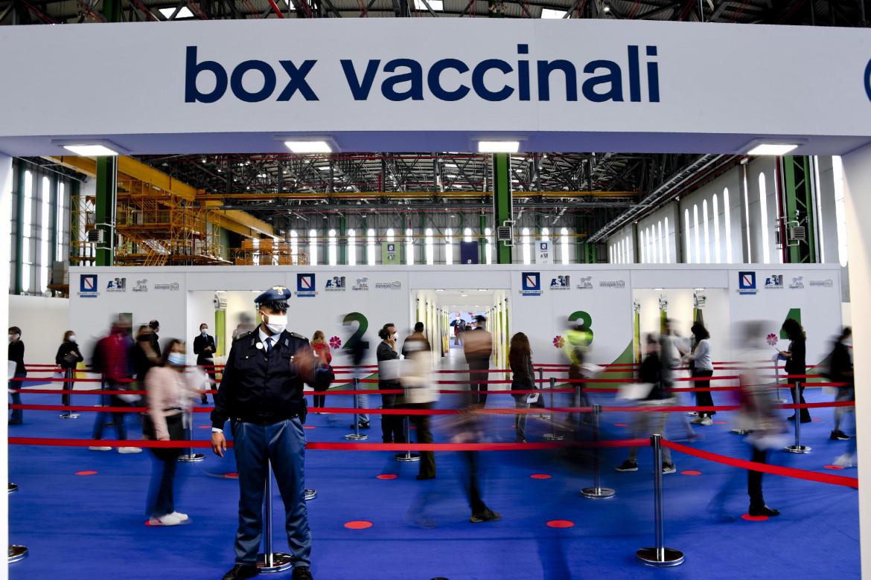 L'hub vaccinale di Capodichino, Napoli