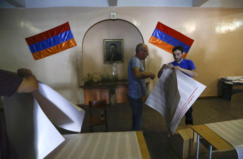 Tutto pronto per le elezioni parlamentari di oggi a Erevan, Armenia
