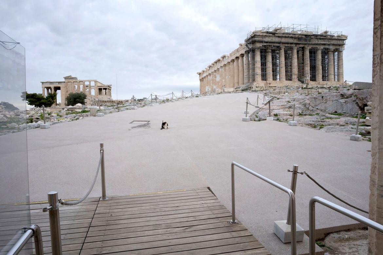 L'intervento sull'Acropoli (foto di Despina Koutsoumba)