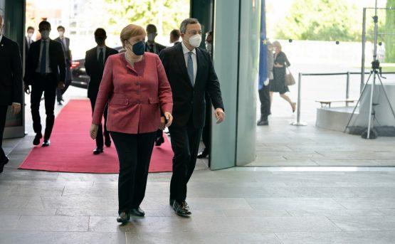 LA conferenza stampa di Draghi e Merkel a Berlino