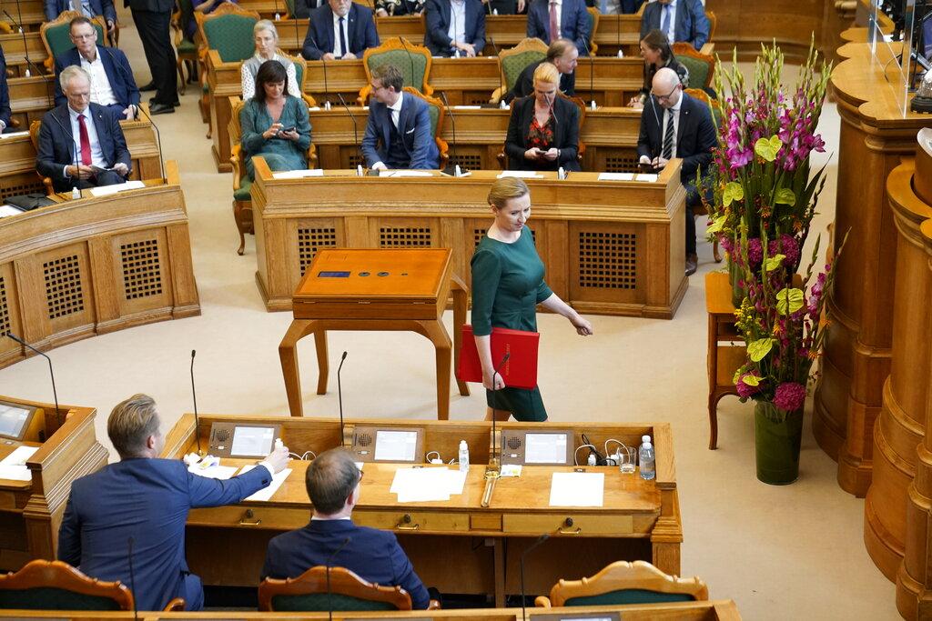 La premier danese Mette Frederiksen in parlamento (foto d'archivio)