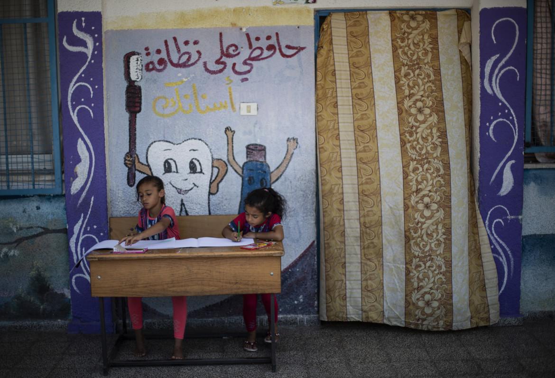 In una scuola gestita dall'Onu nel campo profughi di Jabaliya, nella Striscia di Gaza