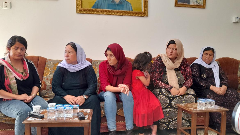 Donne ezide del movimento di liberazione Taje, che lavora al reinserimento delle sopravvissute e alla ricerca delle scomparse