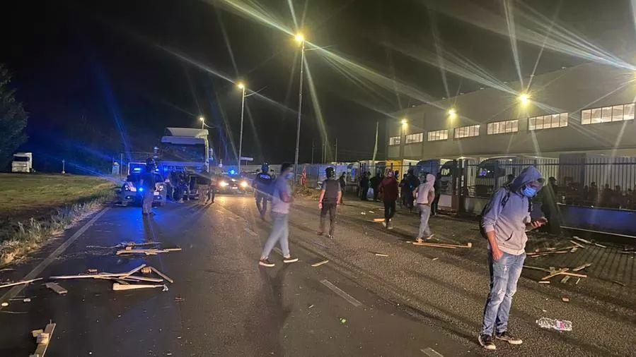Gli scontri a Tavezzano (Lodi)