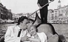 Mario De Biasi Fellini e Masina Venezia 1955 Archivio Mario De Biasi courtesy Admira Milano