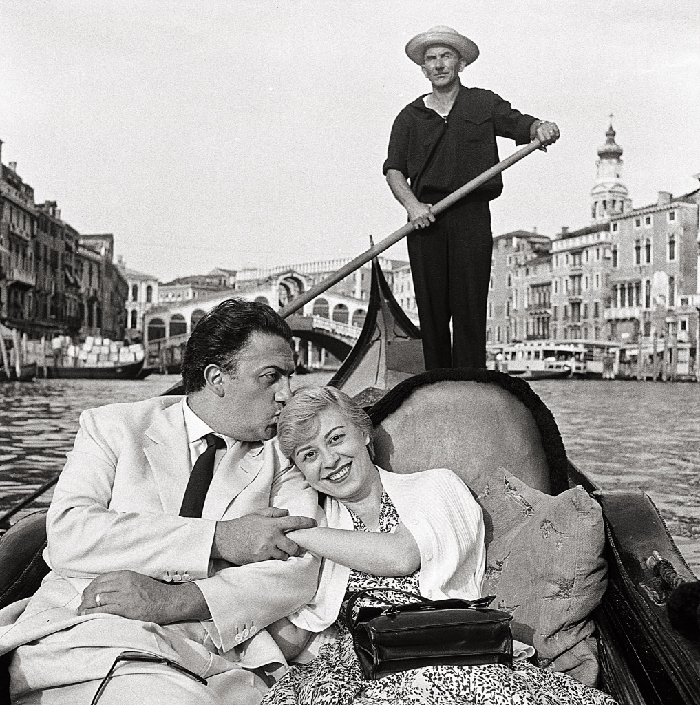 Mario De Biasi, Fellini e Masina, Venezia, 1955 ©Archivio Mario De Biasi - courtesy Admira, Milano