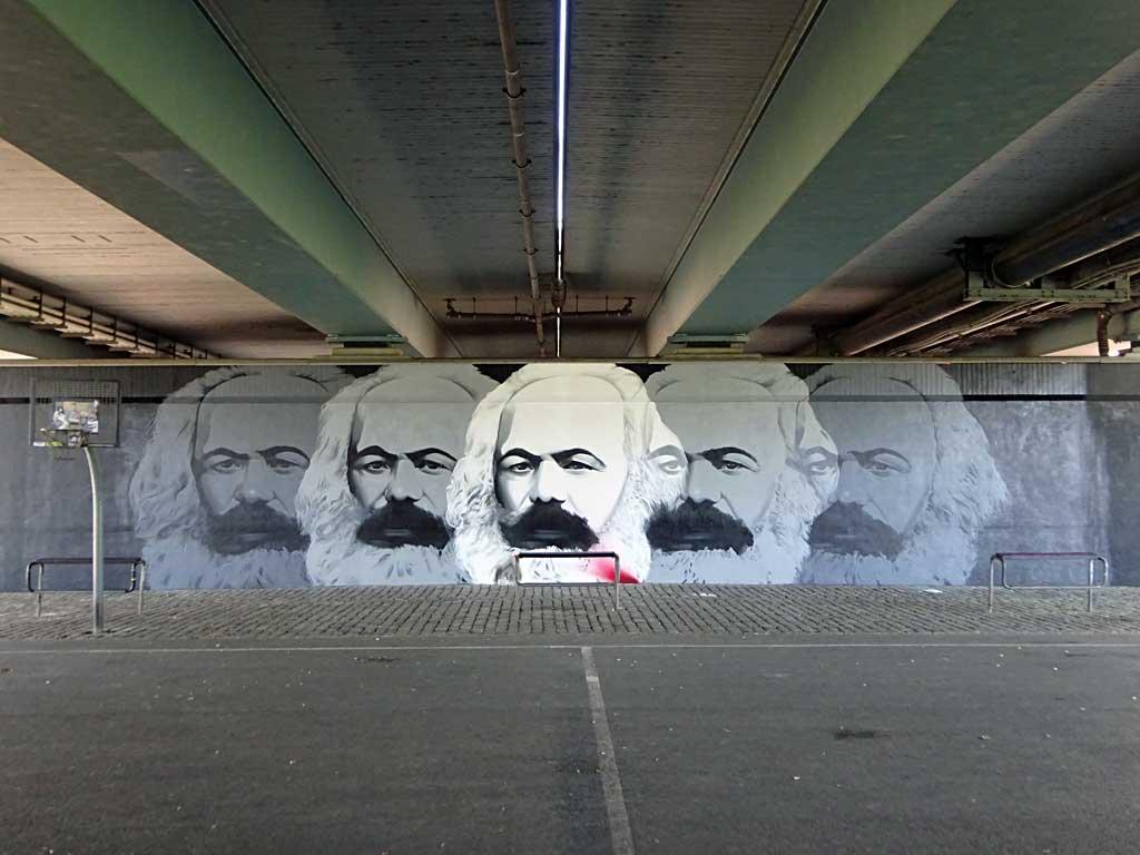 Karl Marx, Friedensbrücke