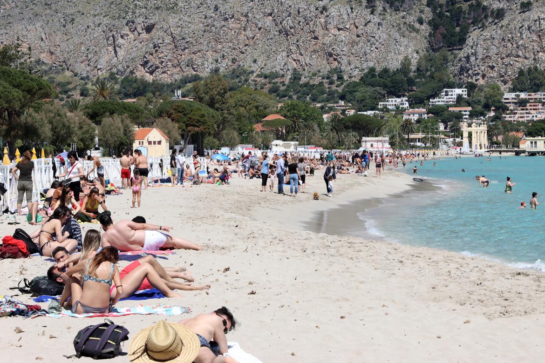 Palermo, la spiaggia di Mondello