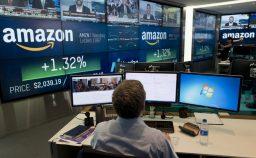 Bezos nello spazio Amazon nella nuvola