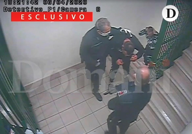 Il video dei pestaggi nel carcere di Santa Maria Capua Vetere pubblicato da Domani