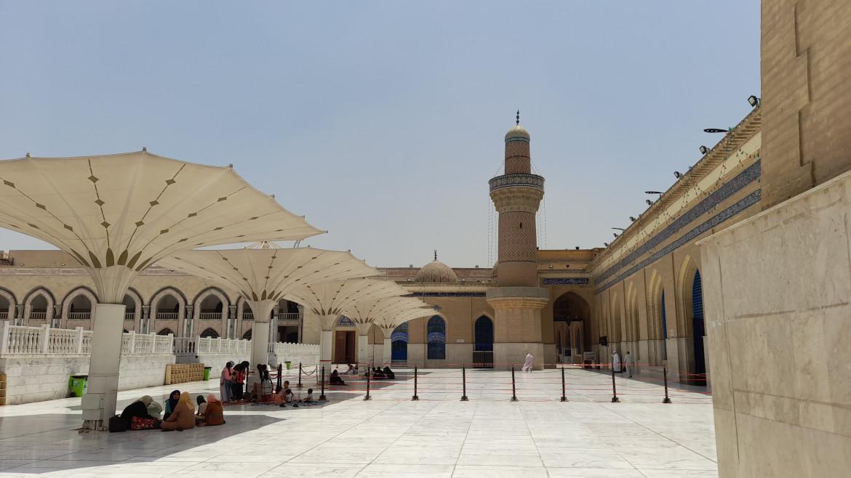 Il cortile del santuario di 'Abd al-Qadir al-Jilani / foto di Chiara Cruciati