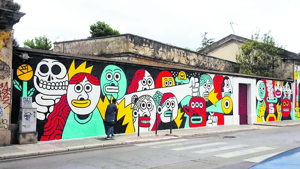 Street art sulle mura della ex caserma Rossani di Bari
