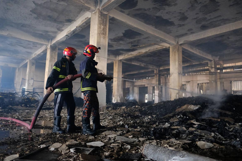 L'incendio dello stabilimento di Rupganj