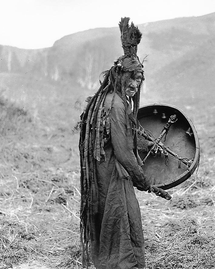 Sciamana mongola del 1909