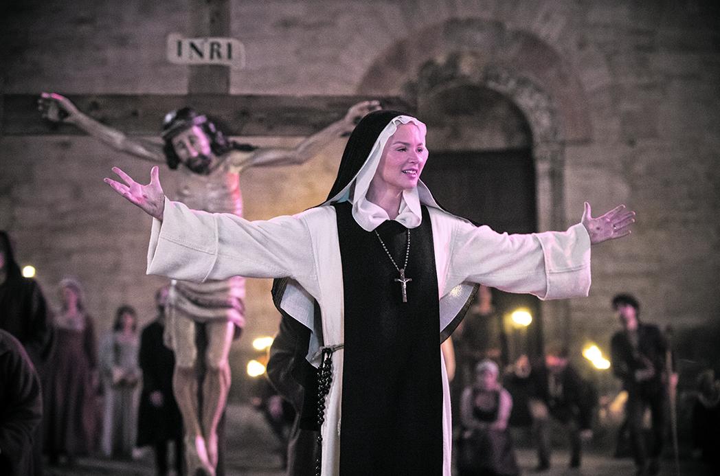 Virginie Efira in «Benedetta» di Paul Verhoeven