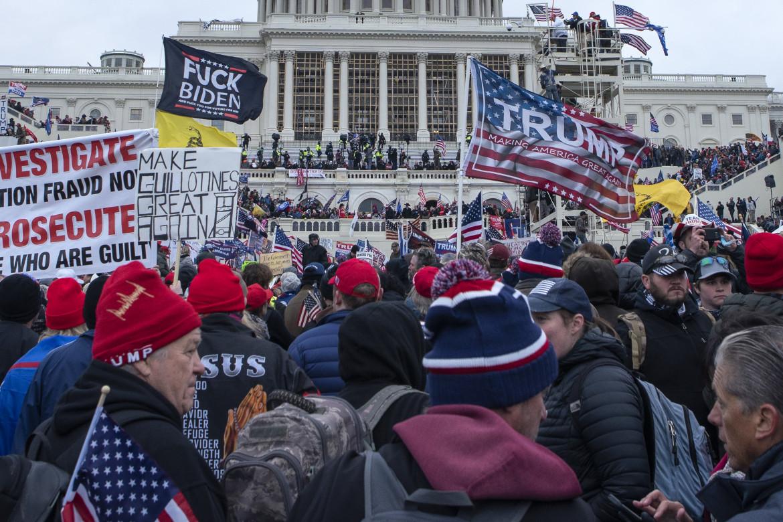 6 gennaio 2021, i sostenitori di Trump poco prima dell'assalto al Congresso di Washington