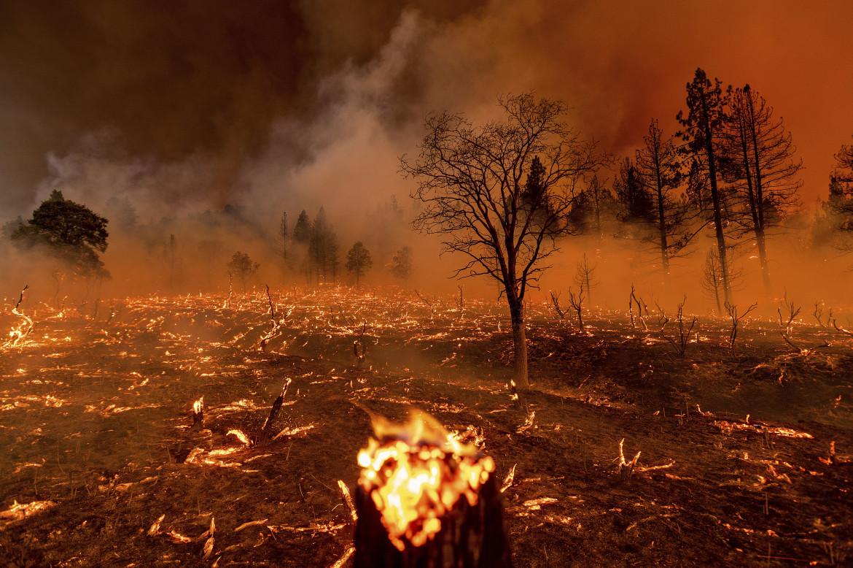 Caldo record ed emergenza incendi in California