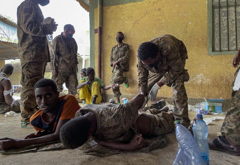Prigionieri delle Forze nazionali di difesa etiopi feriti e catturati dalle forze tigrine a Mekelle