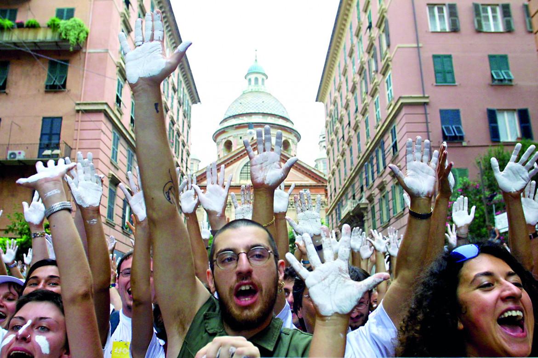 Manifestazione a Genova nel 2001