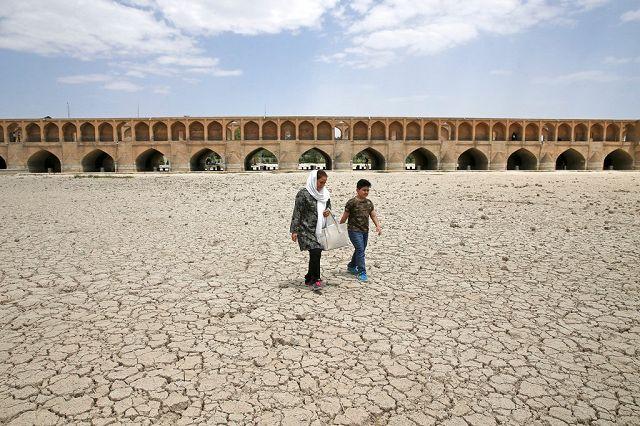 La secca del fiume Zayanden a Isfahan