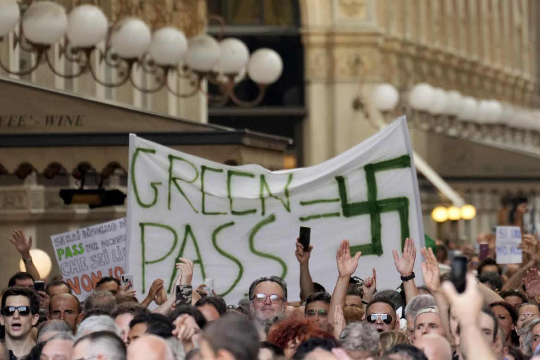 Manifestazione di ieri a Milano contro il Green Pass