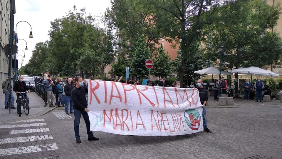 Torino, i cittadini protestano contro la trasformazione dell'ospedale Maria Adelaide in uno studentato per le Universiadi 2025