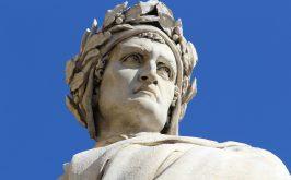 Statua di Dante in piazza santa Croce Firenze