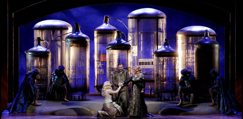 Die Ägyptische Helena di Richard Strauss, libretto di Hugo von Hofmannsthal (basato sull'Elena  di Euripide),  regia di Sven-Eric Bechtolf, Milano, Teatro alla Scala, 2019