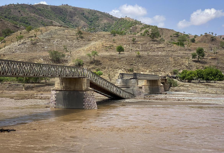Tigray, un ponte sul fiume Tekeze distrutto per impedire il passaggio degli aiut umanitari