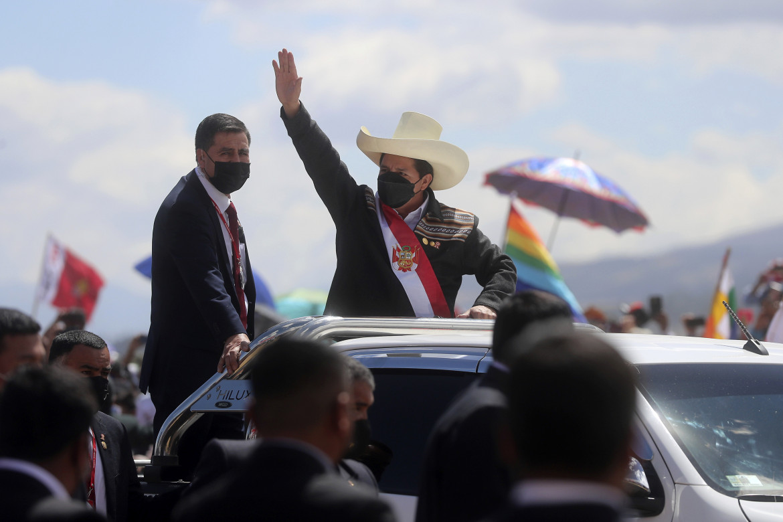 Il presidente peruviano Castillo durante l'insediamento