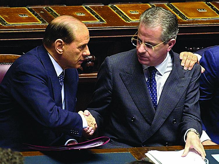 Berlusconi e Scajola, Premier e Ministro degli Interni durante il G8 di Genova 2001