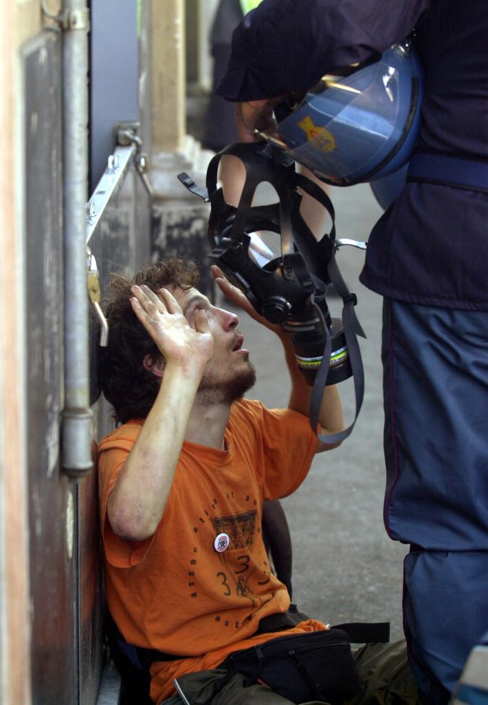 Violenze della polizia a Genova 2001