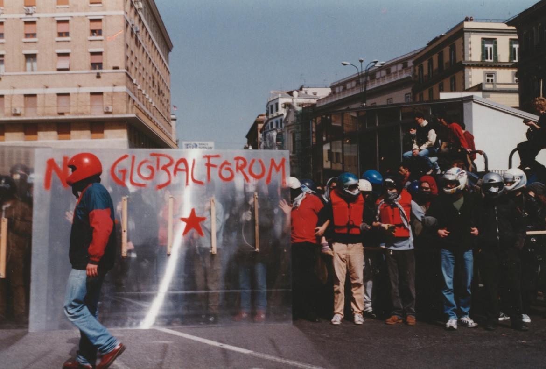 Napoli, marzo 2001
