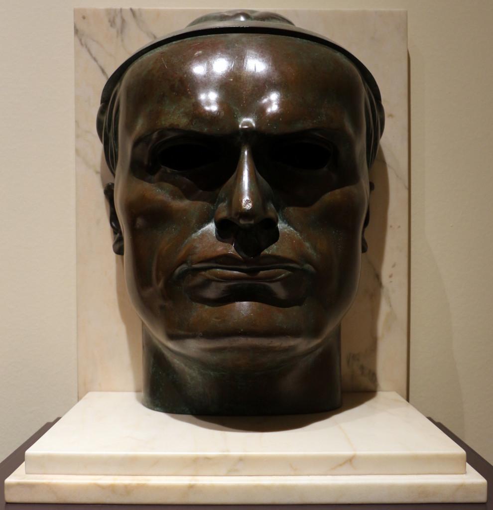 Adolfo Wildt, Busto  di Mussolini, 1924, collezione privata