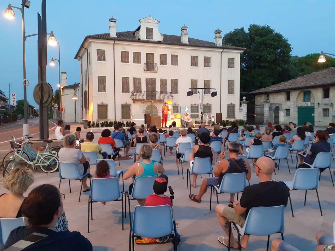 Teatro in piazza a Turriaco