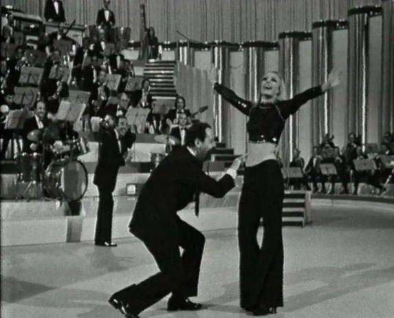 Il Tuca tuca con Alberto Sordi del 1971