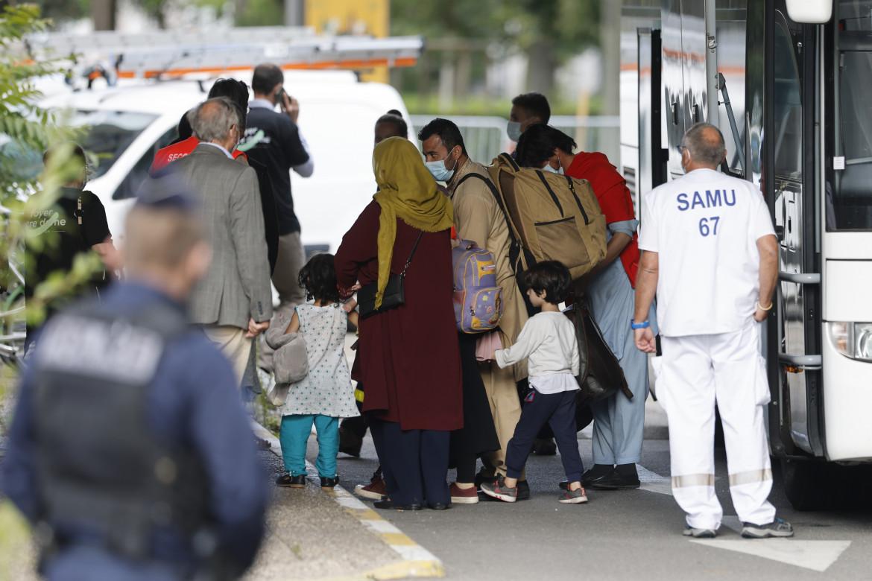 Cittadini afghani evacuati da Kabul