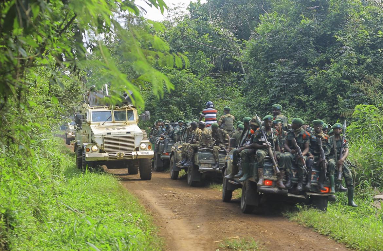Soldati congolesi con le forze dell'Onu vicino alla città di Oicha, in Congo