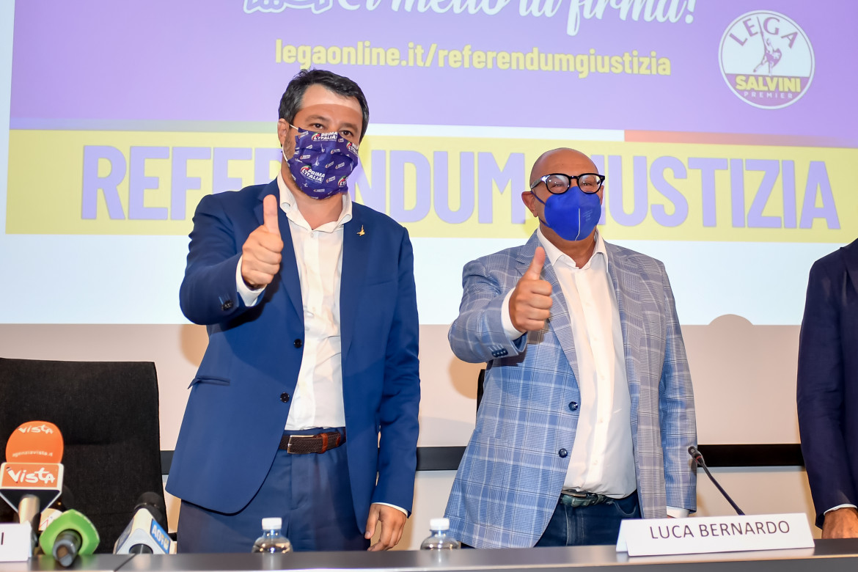 Matteo Salvini con Luca Bernando