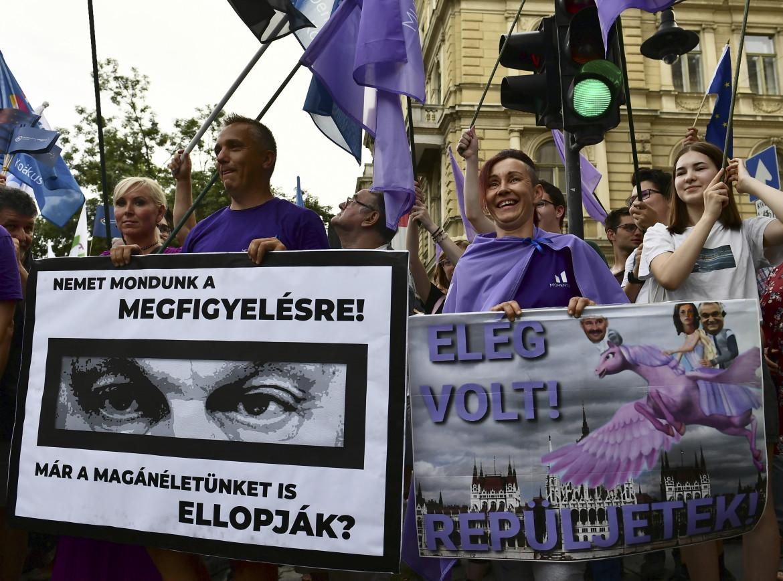 Budapest, protesta contro Viktor Orbán