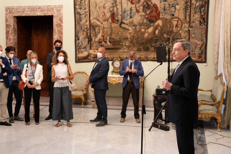 Palazzo Chigi, l'incontro di Draghi con i giornalisti prima delle vacanze