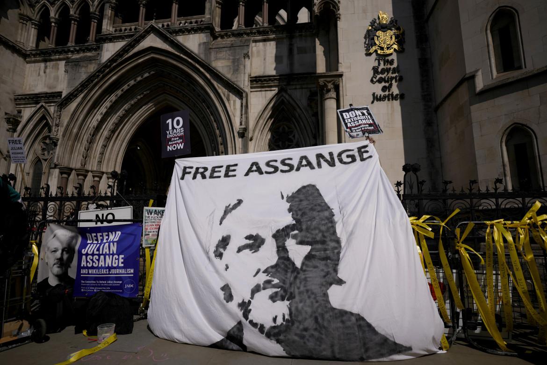 La protesta ieri a Londra a favore di Assange